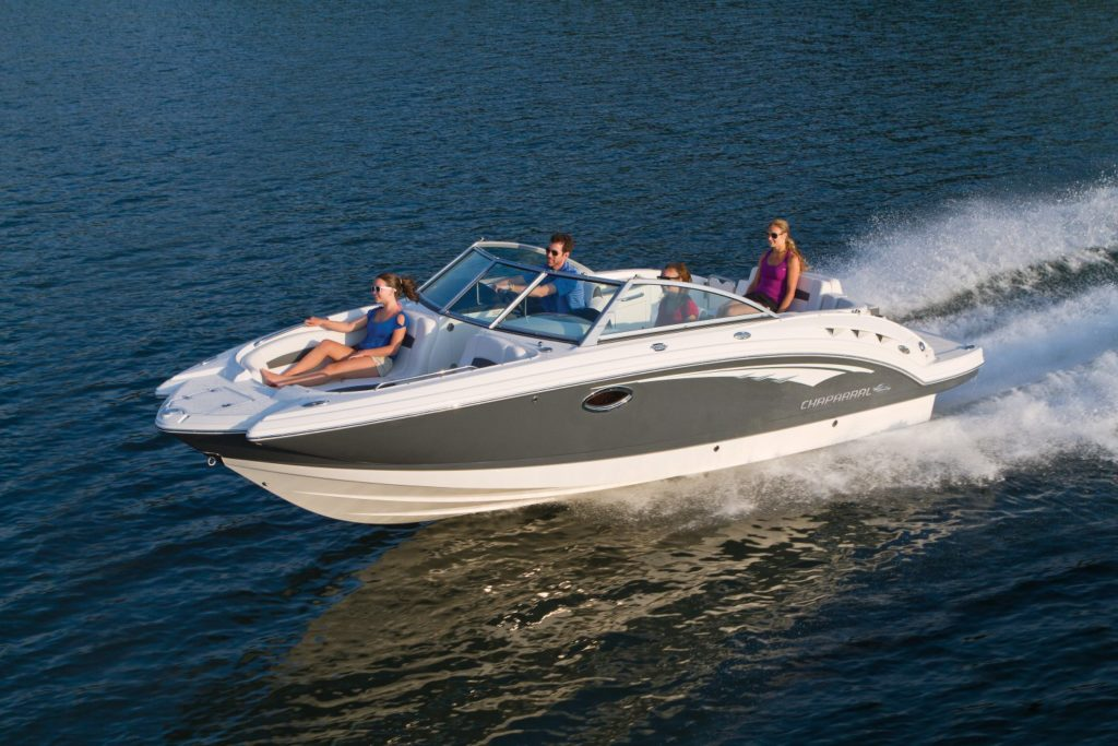 These Boats Are Very Similar To The Traditional Chaparral Bowriders Aside From Wide Bow Seating Area All Three Models Also Include Enclosed Head