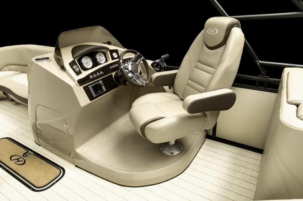 Admirable The Best Pontoon Boat Layout Smart Boat Buyer Guide Alphanode Cool Chair Designs And Ideas Alphanodeonline