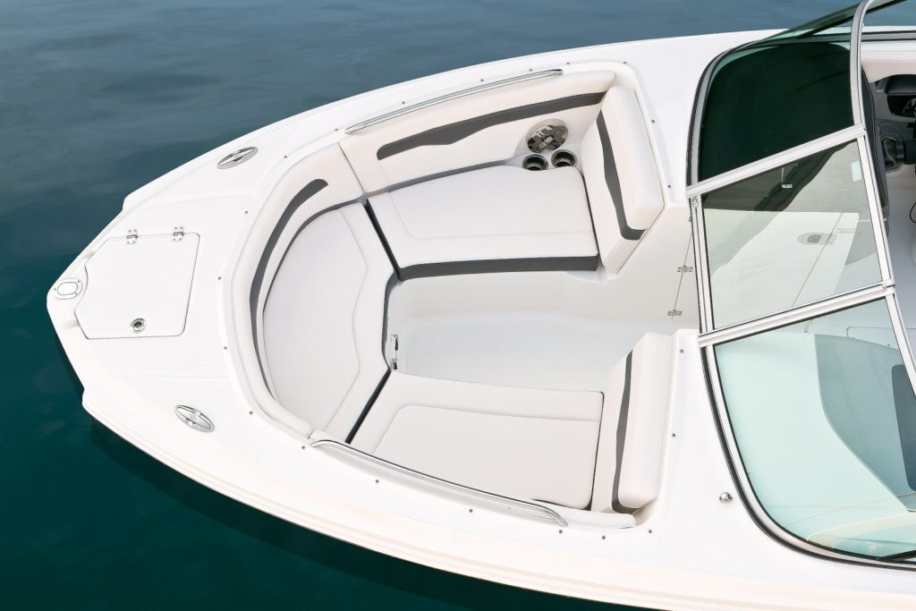 Chaparral 246 SSi Bow Seating
