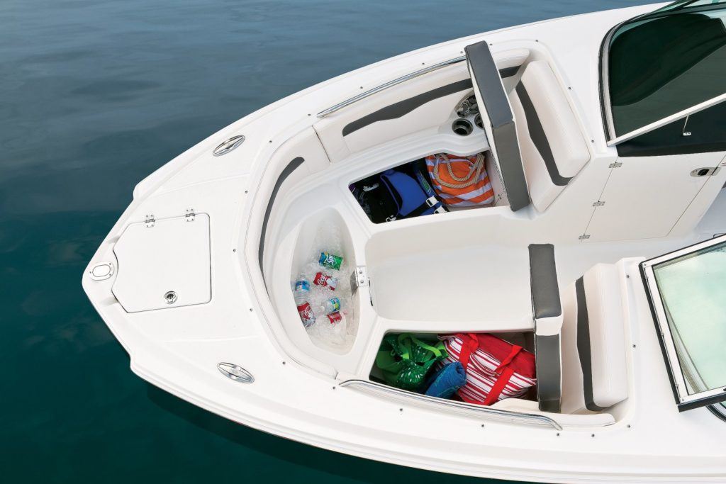 Chaparral 246 SSi Bow Storage